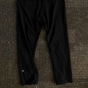 Mid-rise Cropped Black Lululemon Leggings